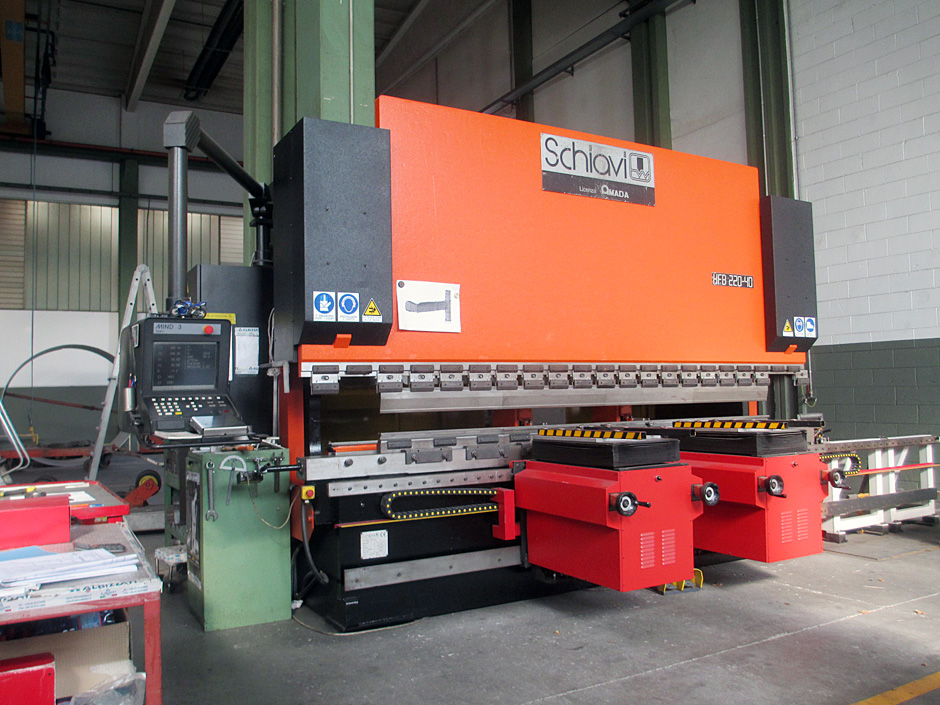 """Schiavi"" folding machine, mod. HFB 220-40, complete of 3D programming, and having the following characteristics:
